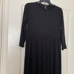NWT Forever 21 quarter sleeve simple black dress